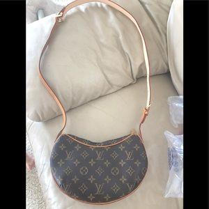 Louis Vuitton pochette Croissant pm with extender